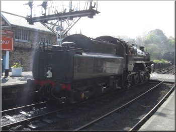 A steam engine manoeuvring at Grosmont station